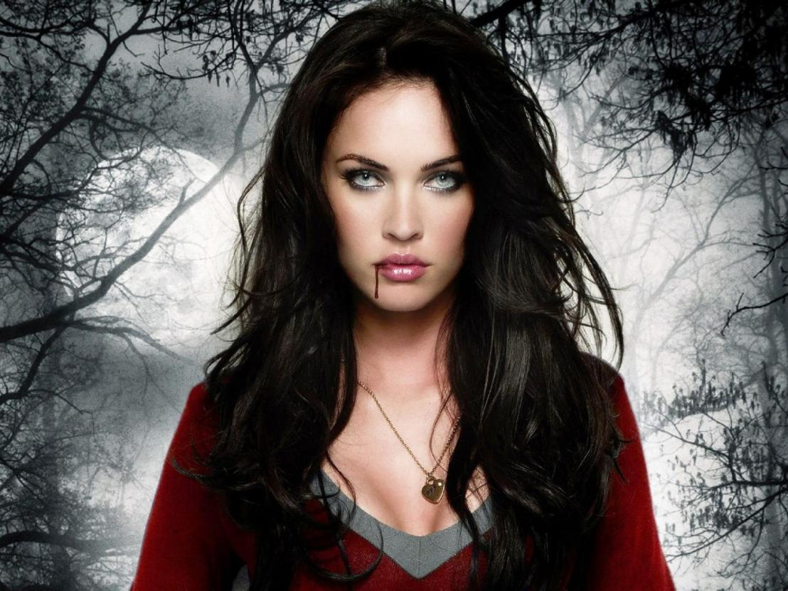 Top 10 Hottest Female in HorrorMovies